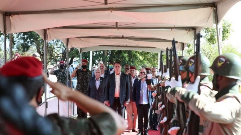 Bolsonaro indica militares para diretoria da Autoridade Nacional de Proteção de Dados