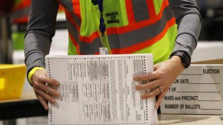 Ex-oficial da CIA alega que irregularidades eleitorais podem fazer parte de um grande plano