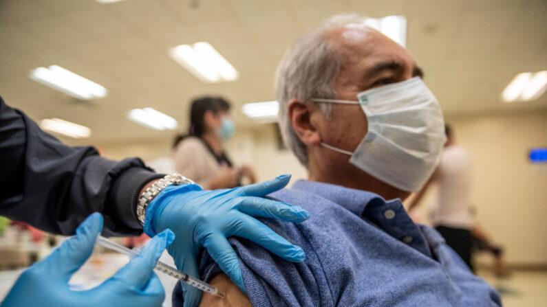 Israel abre investigação de casos de miocardite após vacinação