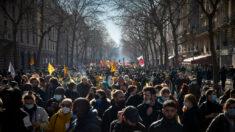 Multidões pelo mundo protestaram contra o lockdown no último final de semana