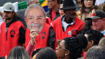 PSOL e PT tentam barrar desestatização de Correios, Eletrobras e EBC
