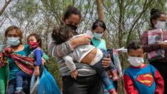 Irmãos de 5 e 6 anos encontrados sozinhos na fronteira da Califórnia com o México
