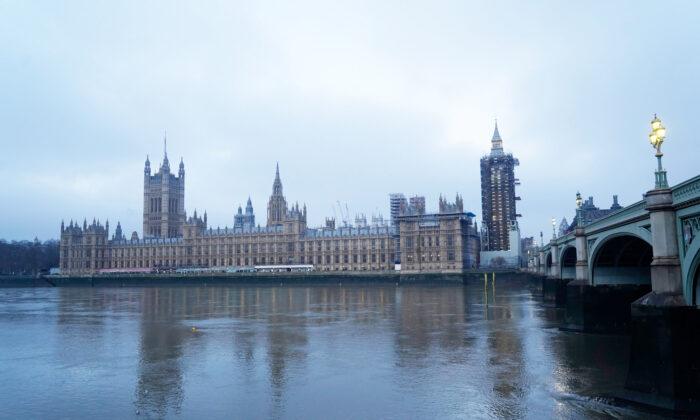 Parlamento do Reino Unido declara que regime chinês comete genocídio em Xinjiang