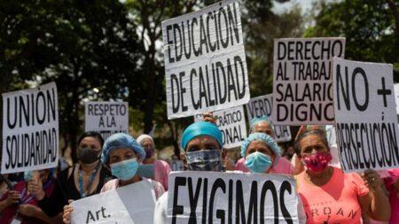 Trabalhadores na Venezuela pedem salários dignos e vacinação contra covid-19