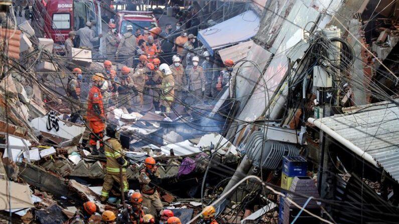 """""""Se construir, vamos derrubar"""", diz Paes sobre prédios irregulares"""