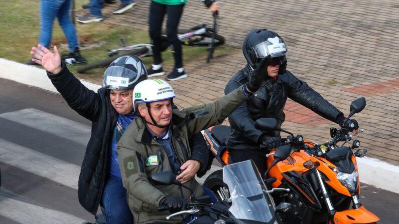 'CPI é formada por sete pilantras', discursa Bolsonaro durante motociata em Chapecó