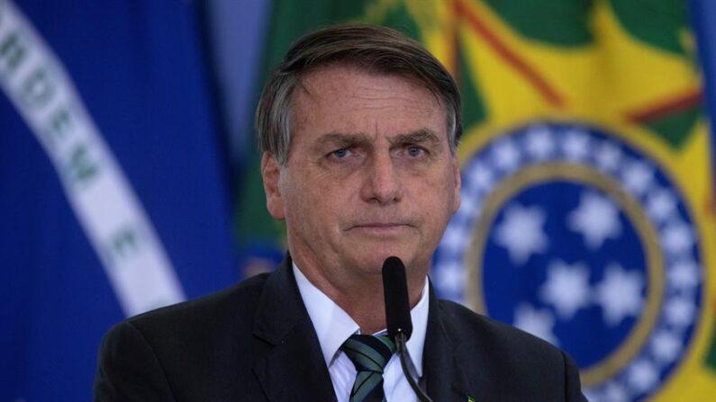'Tiraram Lula da cadeia para ser presidente na fraude', afirma Bolsonaro