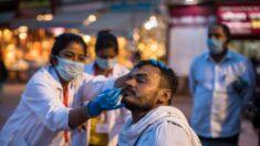 Possíveis testes covid-19 falsos investigados em um grande festival na Índia