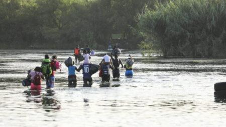 Cidade do Arizona enfrenta 'pesadelo' de influxo de migrantes