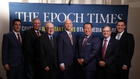 Epoch Times lança iniciativa 'Defendendo America' com painel sobre a constituição