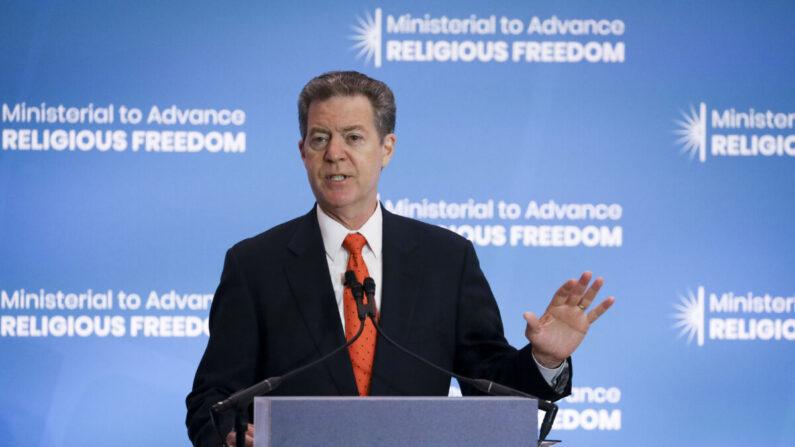 Regime chinês está 'em seus últimos dias', afirma ex-embaixador dos EUA