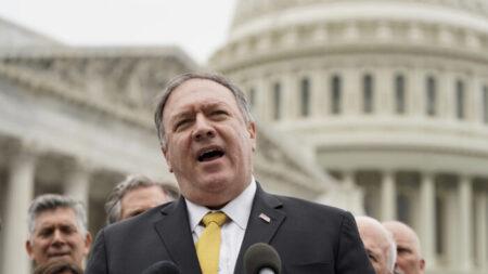 'América precisa liderar o mundo' para acabar com a perseguição ao Falun Gong, afirma Pompeo