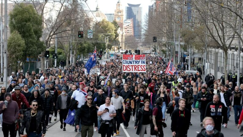 Protestos contra o Lockdown eclodem na Austrália em meio à COVID-19