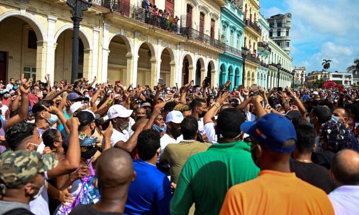 Artista cubano ataca BLM: 'Todas as vidas negras são importantes, exceto as vidas negras cubanas'