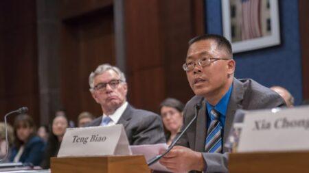 Um advogado de direitos humanos se livra do feitiço do Partido Comunista