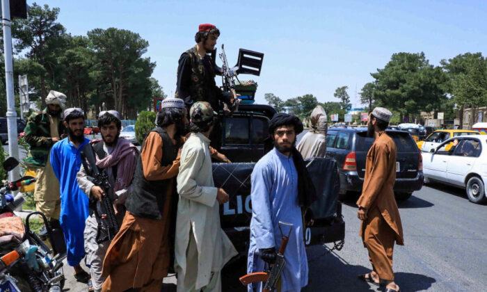 Facebook Continua Banindo Conteúdo do Talibã; Twitter permite contas de porta-vozes