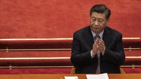 Mídia estatal chinesa afirma que líder Xi Jinping deve seguir caminho de Mao Tsé-Tung