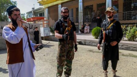 Estado Islâmico reivindica autoria de atentado contra mesquita xiita no Afeganistão