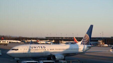 United Airlines demitirá 232 funcionários não vacinados: CEO