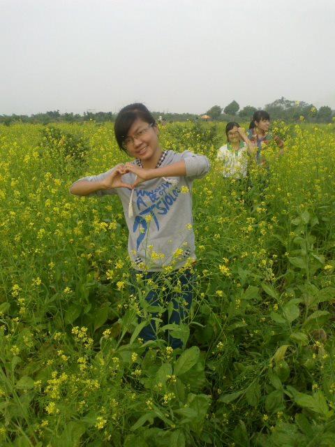 Eu tive uma infância perfeita e bonita, e eu pensei que as coisas continuariam as mesmas até que a vida começasse a me atingir com força… (Nguyen-Thu-Trang)