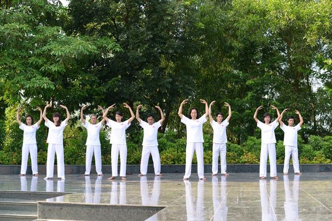 Eu conheci pessoas em Bac Ninh que renasceram graças ao Falun Gong (Nguyen-Thu-Trang)