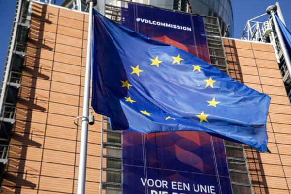 UE prefere negociar com EUA antes de impor tarifas aprovadas pela OMC