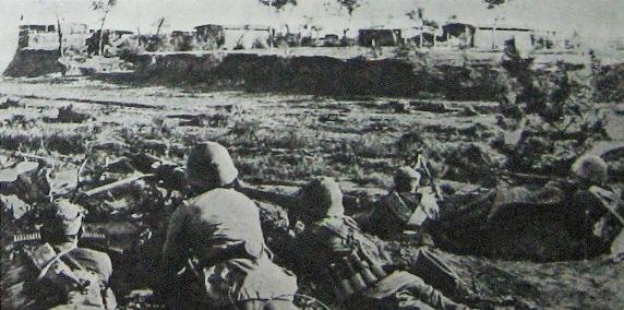 Tropas comunistas em uma campanha militar anterior na guerra civil chinesa (Domínio público)